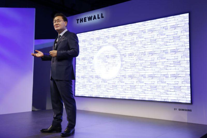 """the wall samsung microled 146 pulgadas 800x534 """"The Wall"""" de Samsung, el primer televisor modular de 146 pulgadas en el mundo"""