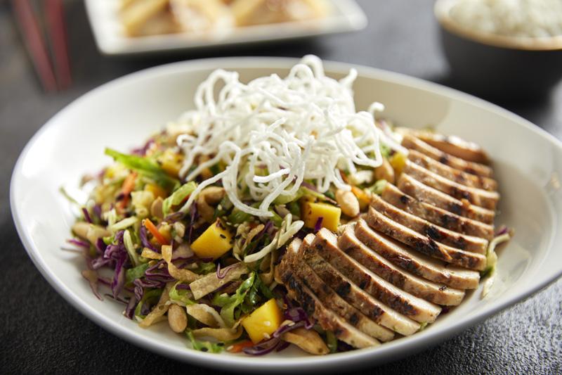 El significado del Año Nuevo Chino y sus tradiciones culinarias - mandarine-crunch-salad-chicken-craveable
