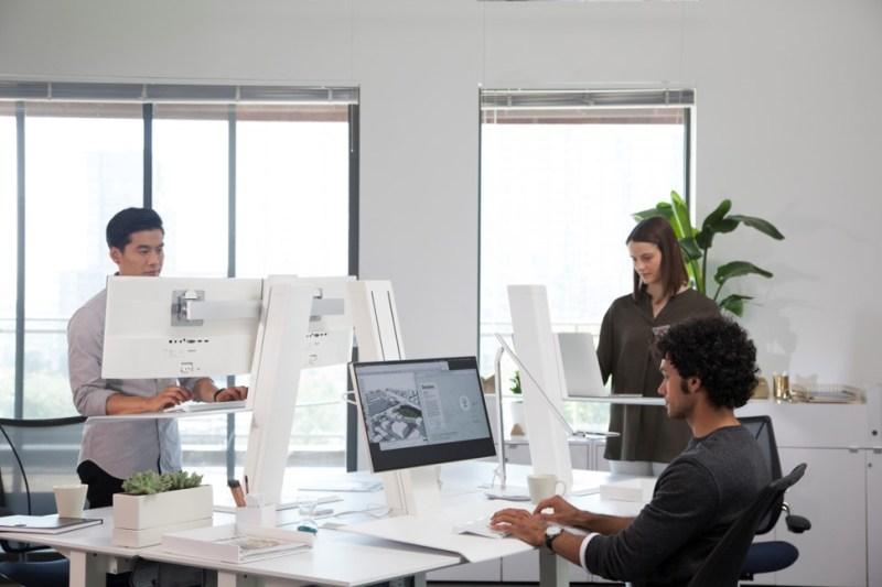 ¿Cómo puedes bajar de peso en tu horario de oficina? - humanscale-800x533