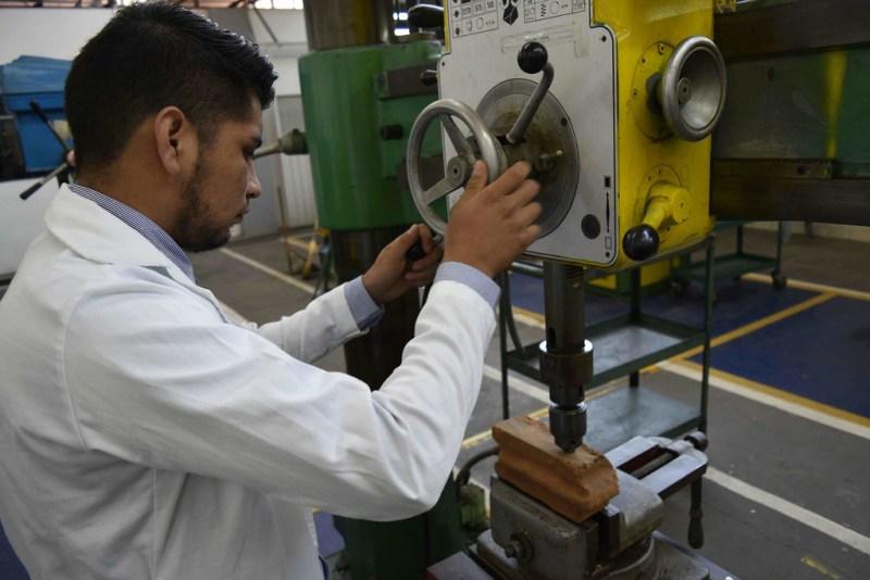 Crean estudiantes ladrillo de materiales reciclados que evita daño ambiental - ladrillo-de-materiales-reciclados-800x534