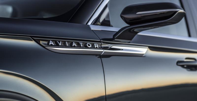 """Lincoln presenta Aviator: la SUV con motor híbrido """"Plug-in"""" - lincoln-aviator-13-800x410"""