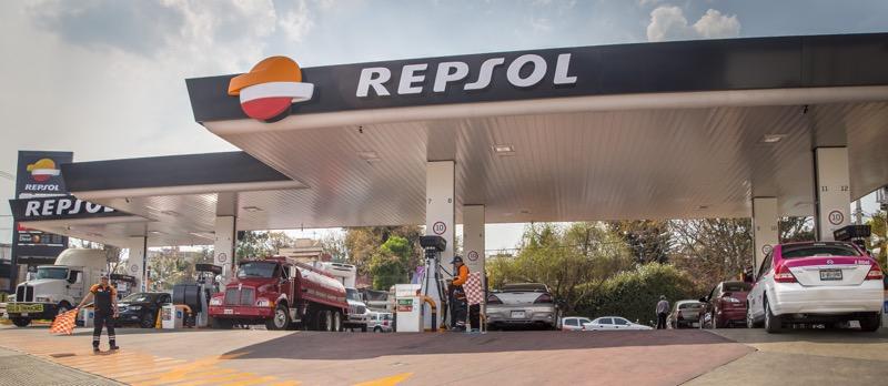 Gasolineras REPSOL llegan a México ¡garantizan litros completos! - repsol_gasolinera-800x348