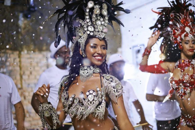 samba brasil 800x534 5 destinos reconocidos por su danza folklórica