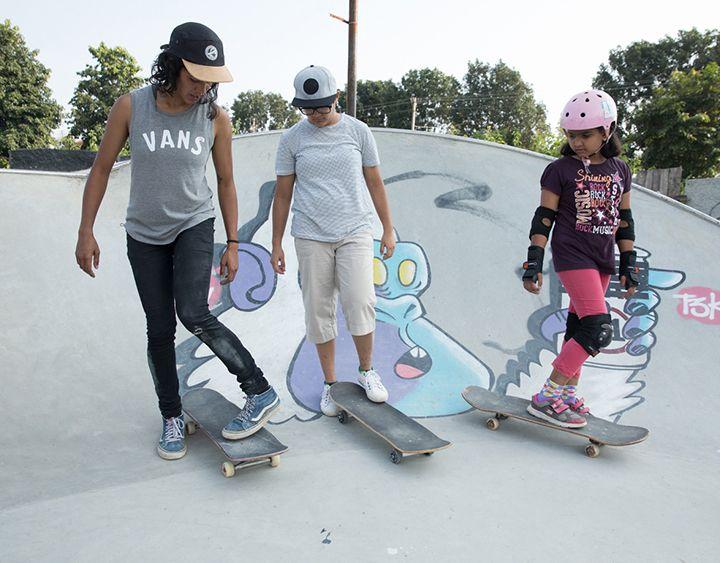 """43f43f56dca4a Vans presenta """"Girls Skate India"""" mujeres skaters que inspiran y empoderan  a una nueva"""
