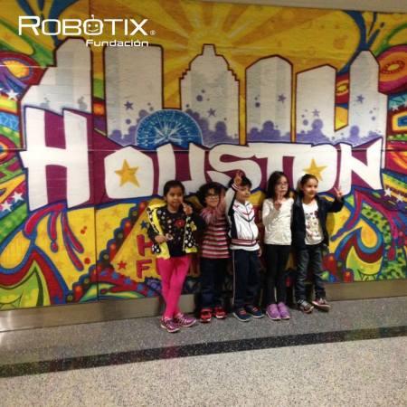 Jóvenes mexicanos hacen gran papel en Competencia de Robótica más grande del Mundo