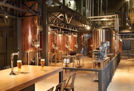 Reapertura de Beer Factory & Food Mundo E ¡cuenta con la primera embotelladora del grupo! - mundo-e_2