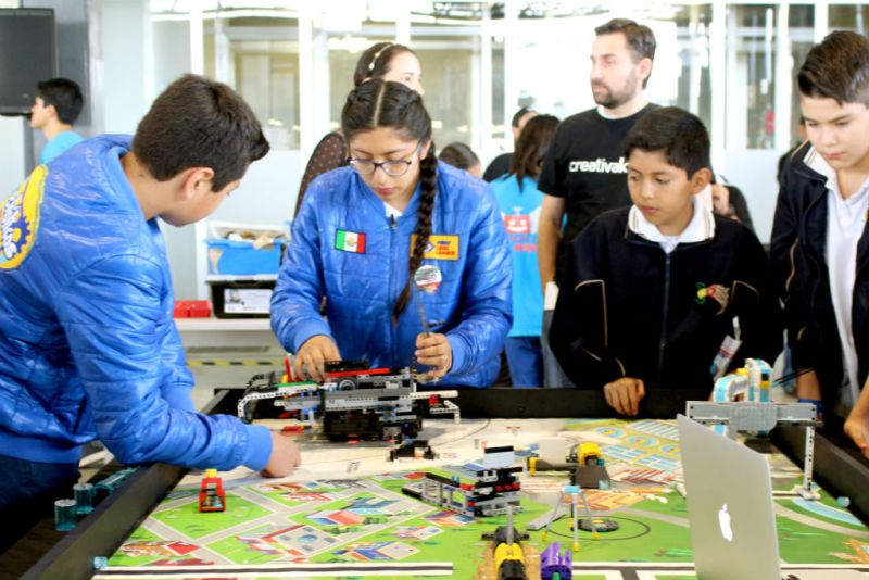 Se realiza con éxito la 12ª edición de RobotiX Faire, Feria de Robótica para niños - robotix-faire-800x534
