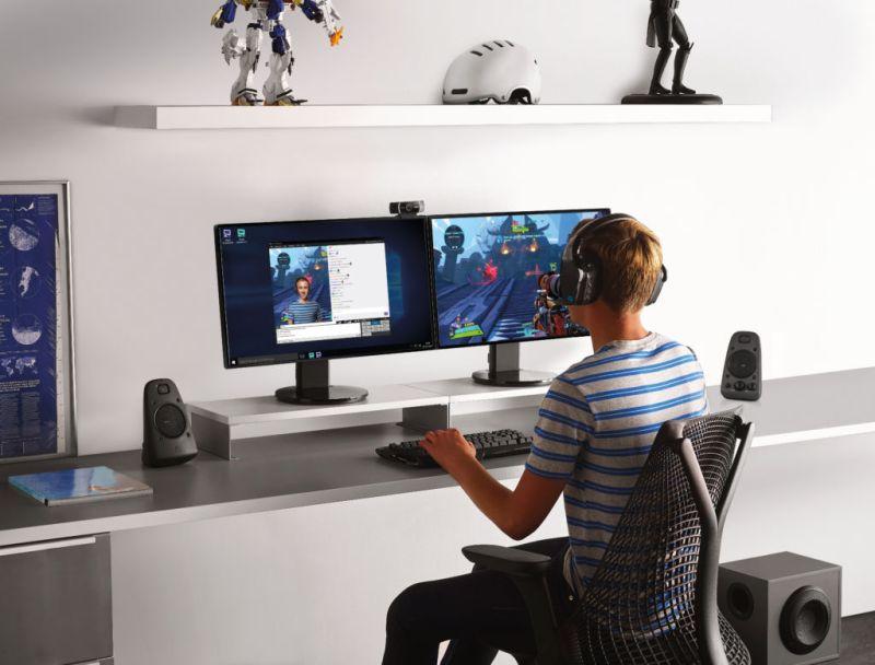 ¿Qué es mejor? videojuegos con audífonos o bocinas - videojuegos-con-audifonos-o-bocinas-800x608