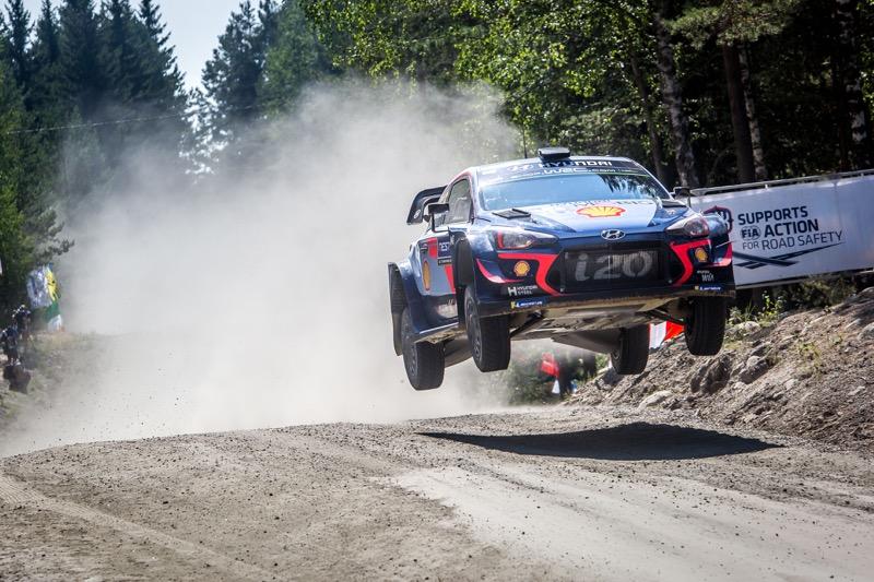 Hyundai Shell Mobis WRT conserva la cima del FIA World Rally Championship - hyundai-shell-mobis-wrt_2-800x533