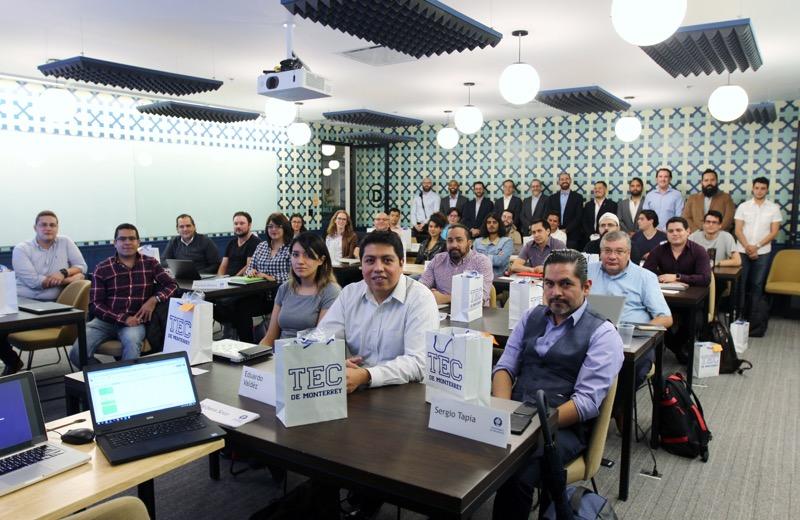 Santander y el Tecnológico de Monterrey promueven el talento de jóvenes programadores mexicanos - santander-y-el-tecnologico-de-monterrey_3-800x520
