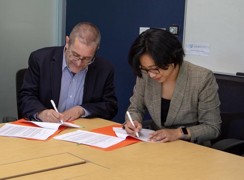 Udacity y Santander anuncian alianza internacional de aprendizaje - udacity-y-santander-800x591