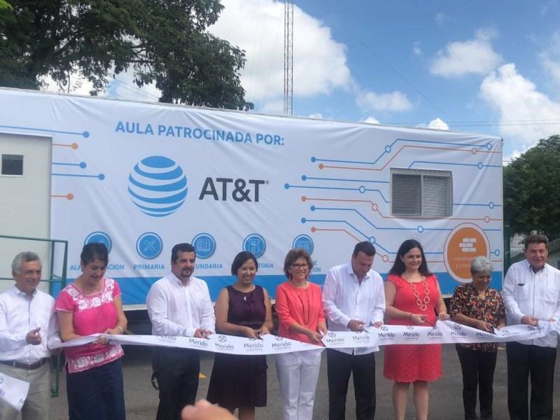 AT&T y Construyendo y Creciendo abren nuevas aulas móviles - aulas-moviles_1-800x600