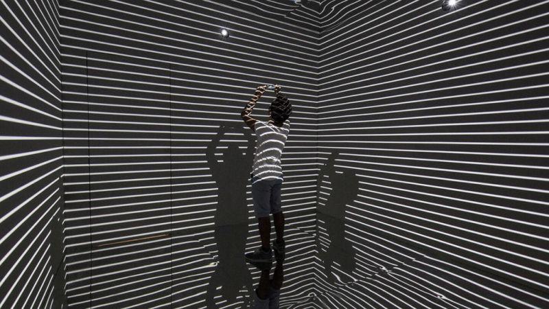Infinity Room, una experiencia que une al arte con la tecnología - infinity-room-del-artista-refik-anadol_4-800x450