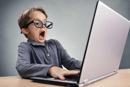 Regreso a clases: cómo preparar a tus hijos para navegar seguros en línea