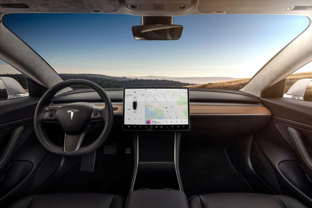 Tesla añadirá juegos clásicos de Atari a sus autos - tesla-model-3-touchscreen