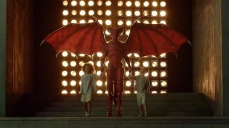 """La miniserie """"El fin de la infancia"""" llega por única ocasión por Studio Universal"""