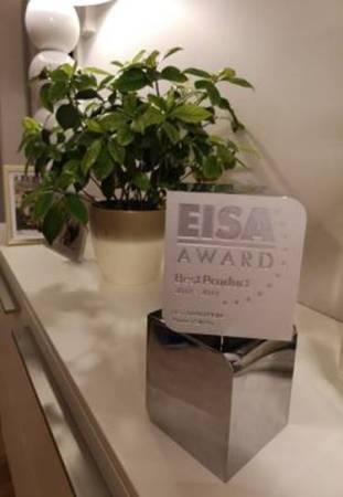 HUAWEI AI Cube, el Kirin 980 y HUAWEI Locator reciben importantes premios durante IFA 2018 - huawei-p20-pro-fue-nombrado-eisa-best-smartphone-2018-311x450