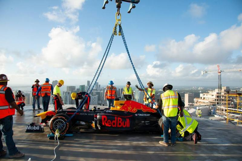 Citrix y Aston Martin Red Bull Racing unidos en la carrera hacia el futuro - citrix-y-aston-martin-red-bull-racing_1-800x533
