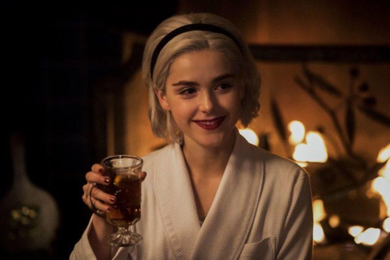 Netflix anuncia parte 3 y 4 de El mundo oculto de Sabrina para el 2019 - el-mundo-oculto-de-sabrina-conjura-nuevos-episodios-800x534