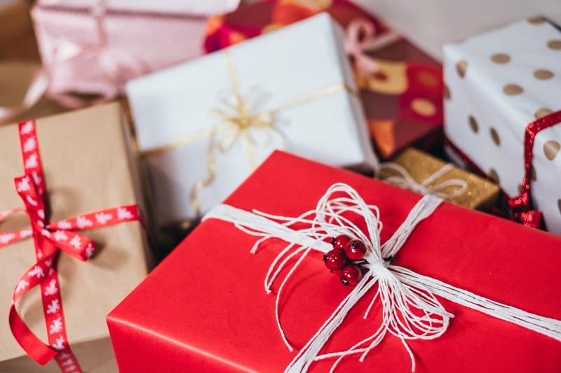 ¿Tienes mal historial crediticio? Con estas startups podrás aprovechar las ofertas de fin de año - regalos-de-navidad-800x533