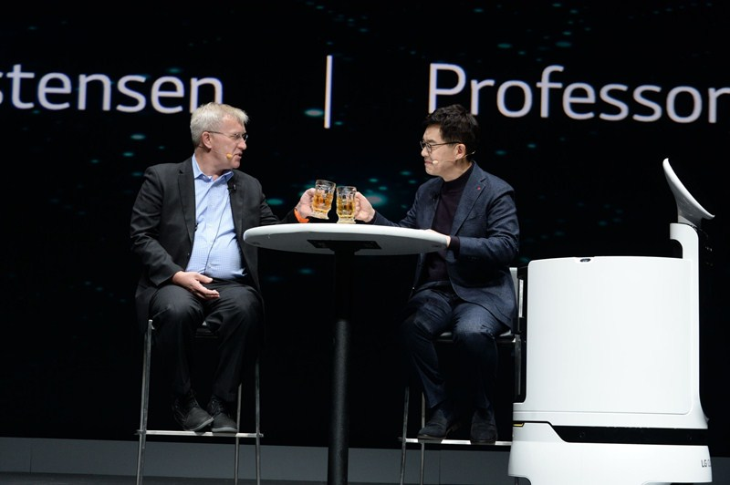 El presidente de LG comparte su visión futurista de la compañía durante el CES 2019 - keynote-i-p-park-00