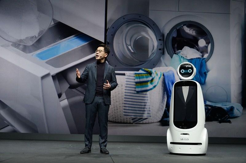 El presidente de LG comparte su visión futurista de la compañía durante el CES 2019 - keynote-i-p-park-01