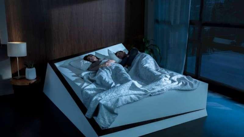 """La cama inteligente que devuelve a tu pareja a su """"carril"""" con tecnología Ford - cama-con-mantenimiento-de-carriles-ford-800x449"""