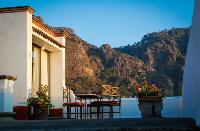 Tepoztlán, el segundo destino más romántico del mundo - posada-del-tepozteco-800x525