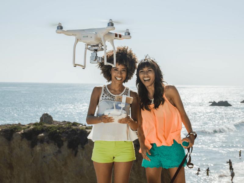 Mujeres que están conquistando el mundo de las tomas aéreas en México - mujeres-drones-dji