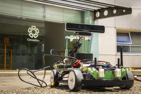 Estudiantes de maestría y doctorado obtienen primer lugar en competencia de vehículos autónomos