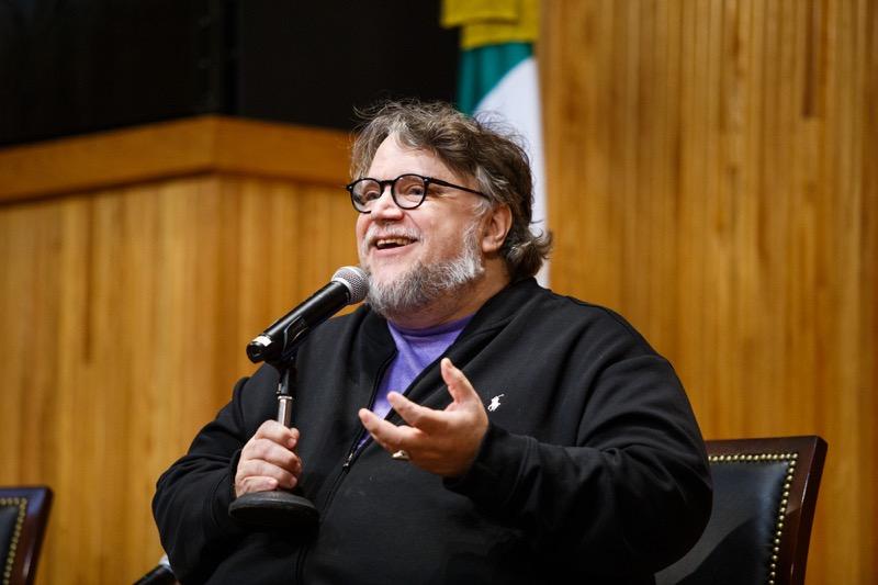 """Guillermo del Toro presenta en México """"En casa con mis monstruos"""" - en-casa-con-mis-monstruos_seleccion-para-prensa_web_023-800x533"""