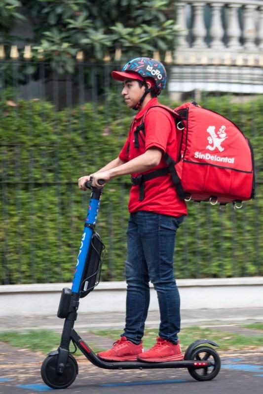 SinDelantal y el servicio de scooters eléctricos Movo se unen en beneficio de la sustentabilidad - movo-sin-delantal-3-533x800