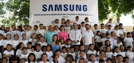 Samsung equipa aula de escuela primaria en Mérida, en alianza con la asociación UNETE