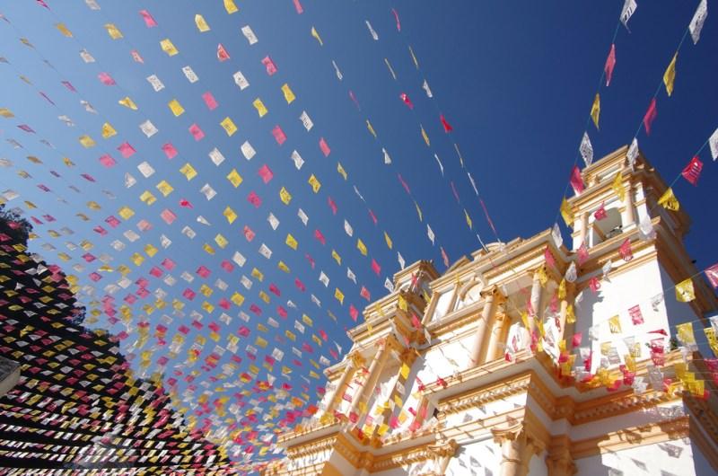 5 pueblos mágicos más económicos para viajar durante verano - catedral-de-san-cristobal-800x530