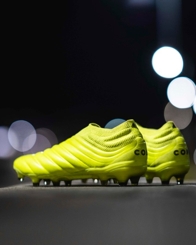 Hard Wired Pack: nueva colección de adidas Football con colores electrizantes - copa-adidas-football