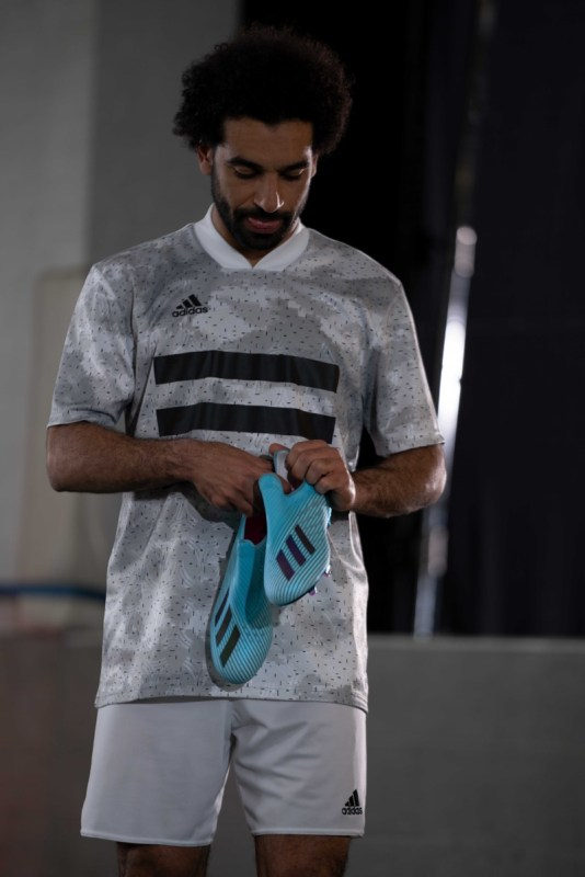Hard Wired Pack: nueva colección de adidas Football con colores electrizantes - salah_hardwired_stadium