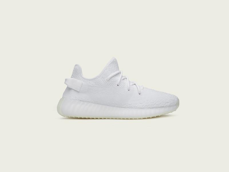 La silueta YEEZY Boost Triple White de adidas ¡ya disponibles! - adidas_yeezy_350_v2_aw-800x601