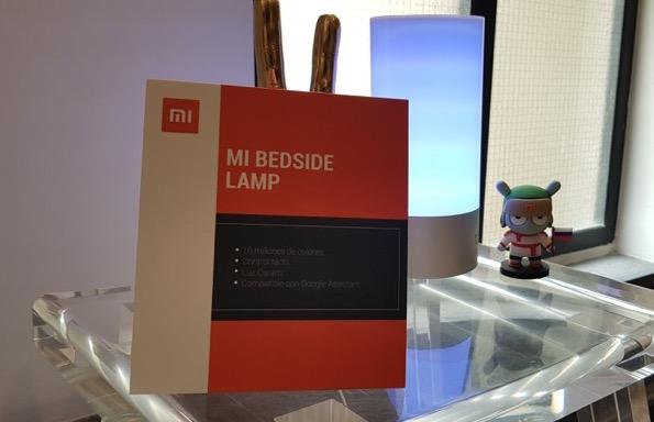 Loft inteligente de Xiaomi con MediaTek - mi-bedside-lamp_3