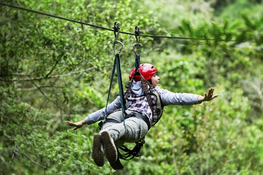 2 de cada 3 mexicanos de la generación Z buscan la aventura y destinos extremos - prismas-basalticos-desde-la-tirolesa