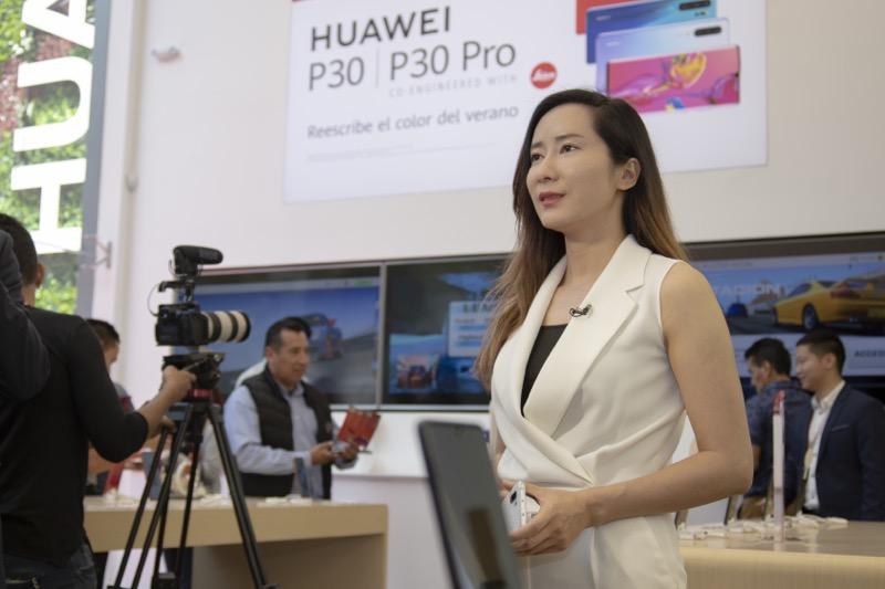 Huawei inaugura 9 nuevas Huawei Experience Stores en México - tienda-masarik-cris-1-4