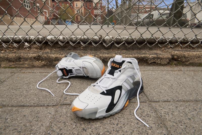adidas Originals Streetball rinde homenaje al basketball callejero - adidasoriginals_fw19_streetball_ee4960_heroangle-800x534