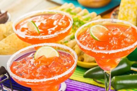 Top 5 de las bebidas favoritas y más buscadas por los mexicanos para dar el grito