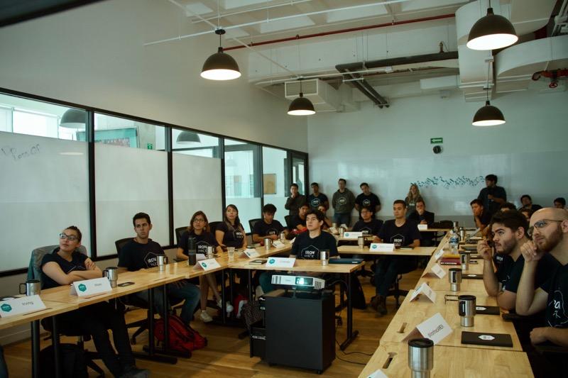 Bootcamp vs universidad: ¿Cómo lanzar tu carrera en solo 9 semanas? - bootcamp-universidad