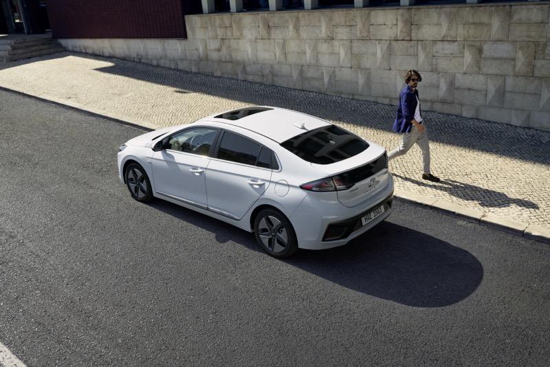 Hyundai trae a México: Ioniq 2020 ¡conoce sus características! - hyundai-ioniq-2020-mexico_lifestyle-800x534