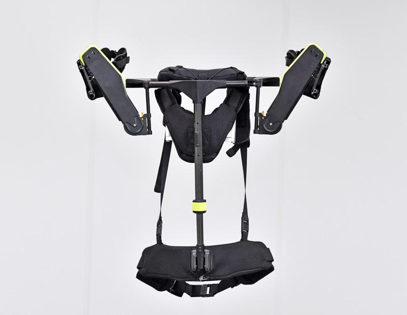 Hyundai desarrolla exoesqueleto, un chaleco portable para auxiliar la carga en el trabajo - vest-exoesqueleto-vex-hyundai_1