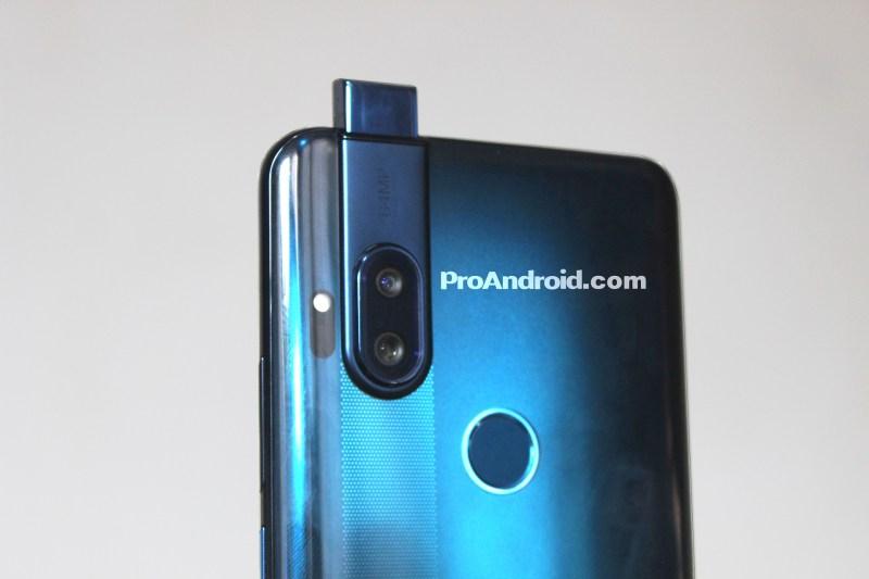 Este próximo teléfono de Motorola tiene pantalla completa y cámara frontal retráctil - motorola-one-proandroid5