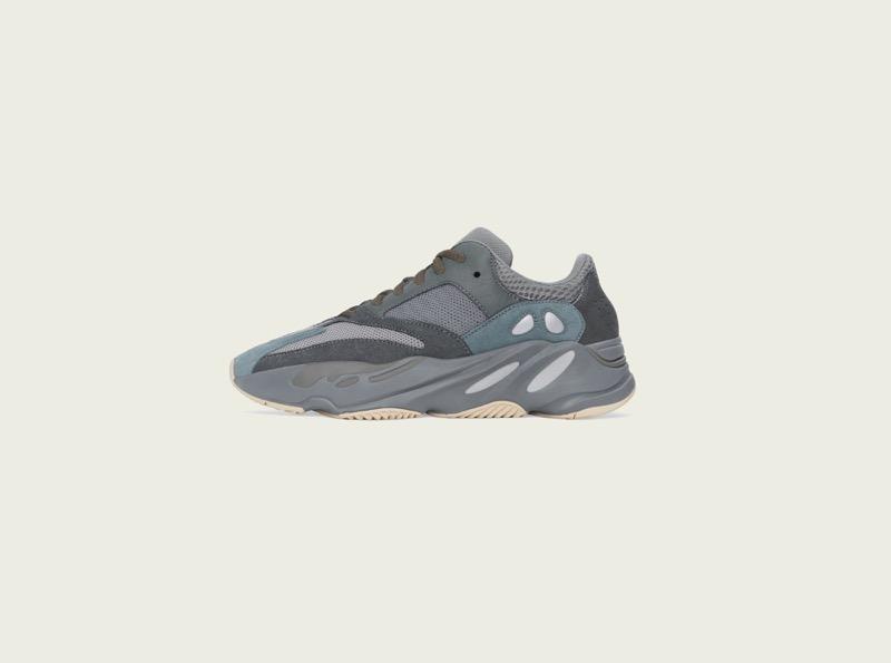 adidas + KANYE WEST anuncian el lanzamiento del YEEZY BOOST 700 Teal Blue - yeezy_boost_700_teal_blue_left_pr300-800x595