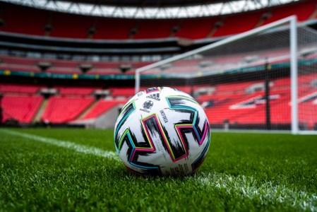adidas presenta «Uniforia», el balón oficial de la UEFA EURO2020