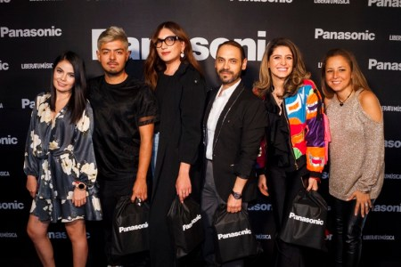 Pasarela «Libera tu música» de Panasonic rompe la barrera entre los gadgets y la moda