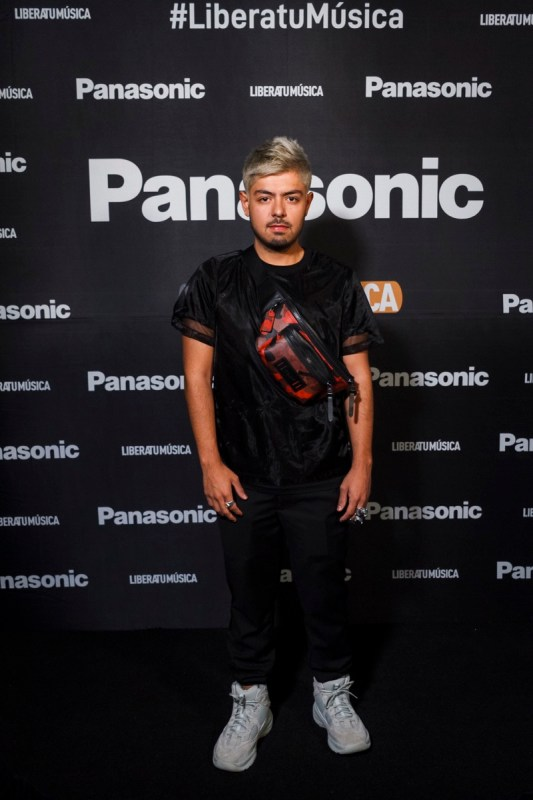 "Pasarela ""Libera tu música"" de Panasonic rompe la barrera entre los gadgets y la moda - libera-tu-musica-panasonic_6"